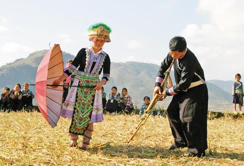 Giới thiệu sắc màu văn hóa dân tộc Mông Yên Bái tại Hà Nội - Ảnh 1.