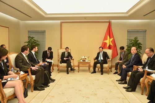 Phó Thủ tướng Trịnh Đình Dũng:  Nhiều doanh nghiệp hàng đầu của Pháp đã đầu tư tại Việt Nam - Ảnh 1.