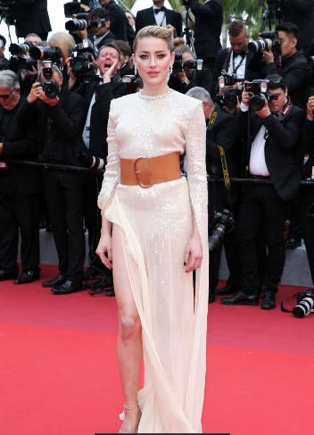 LHP Cannes ngày 2: Elle Fanning thần thái, thiên thần nội y Victorias Secrect lại cực kỳ cháy bỏng - Ảnh 5.