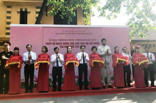 Khai trương phòng trưng bày bổ sung Một số hoạt động của Chủ tịch Hồ Chí Minh tại Phủ Chủ tịch - Ảnh 1.