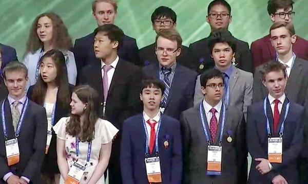 Vũ Hoàng Long, học sinh miền núi Lào Cai đoạt giải Ba cuộc thi  Khoa học kỹ thuật Quốc tế 2019 tại Mỹ - Ảnh 1.