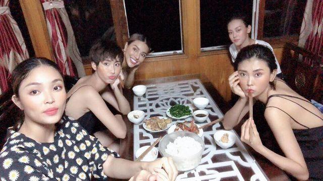 Đạo diễn lên tiếng sau ồn ào người mẫu Việt tố bị đối xử tệ, chịu khát dưới thời tiết hơn 40 độ - Ảnh 4.