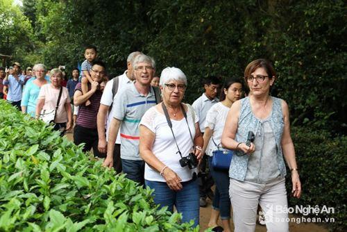 Nghệ An: Từng bước tiếp cận thị trường khách du lịch Nga, Pháp, Hàn Quốc - Ảnh 1.
