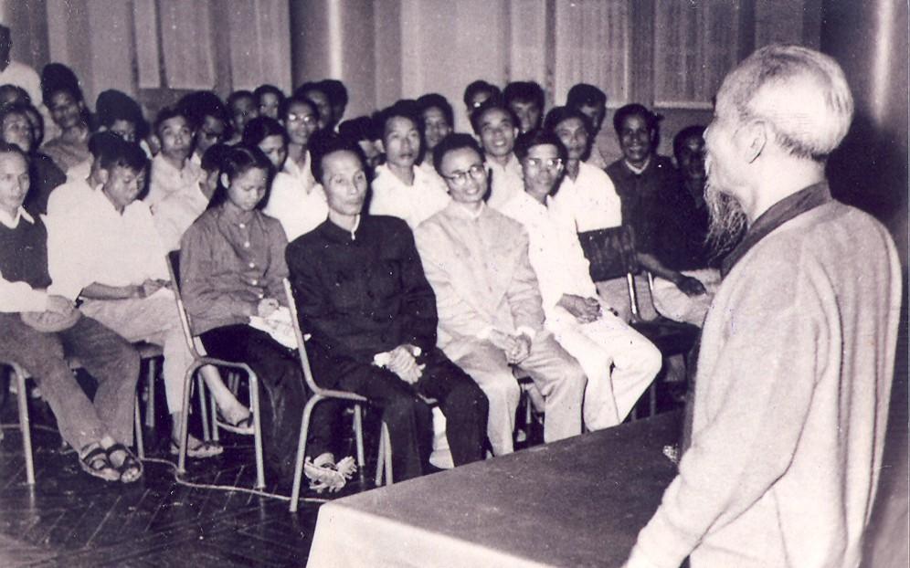 Chủ tịch Hồ Chí Minh với vấn đề đạo đức cách mạng