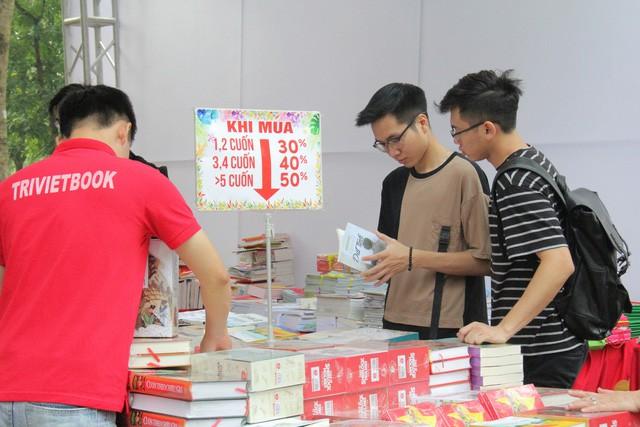 Đà Nẵng khai mạc Phiên chợ sách 2019 - Ảnh 1.