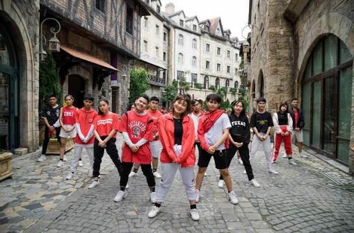 Những màn diễn ấn tượng của Top 16 Flashmob - Sóng tuổi trẻ - Ảnh 10.