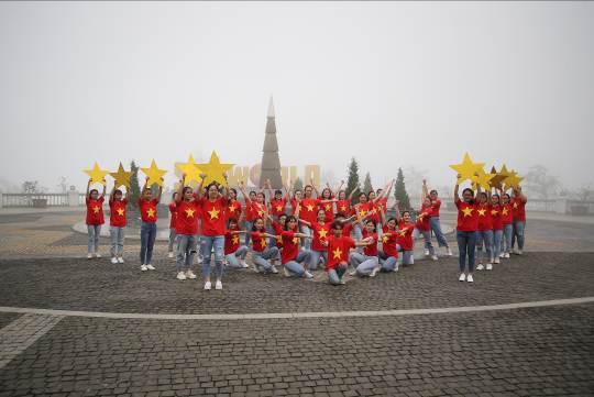 Những màn diễn ấn tượng của Top 16 Flashmob - Sóng tuổi trẻ - Ảnh 2.