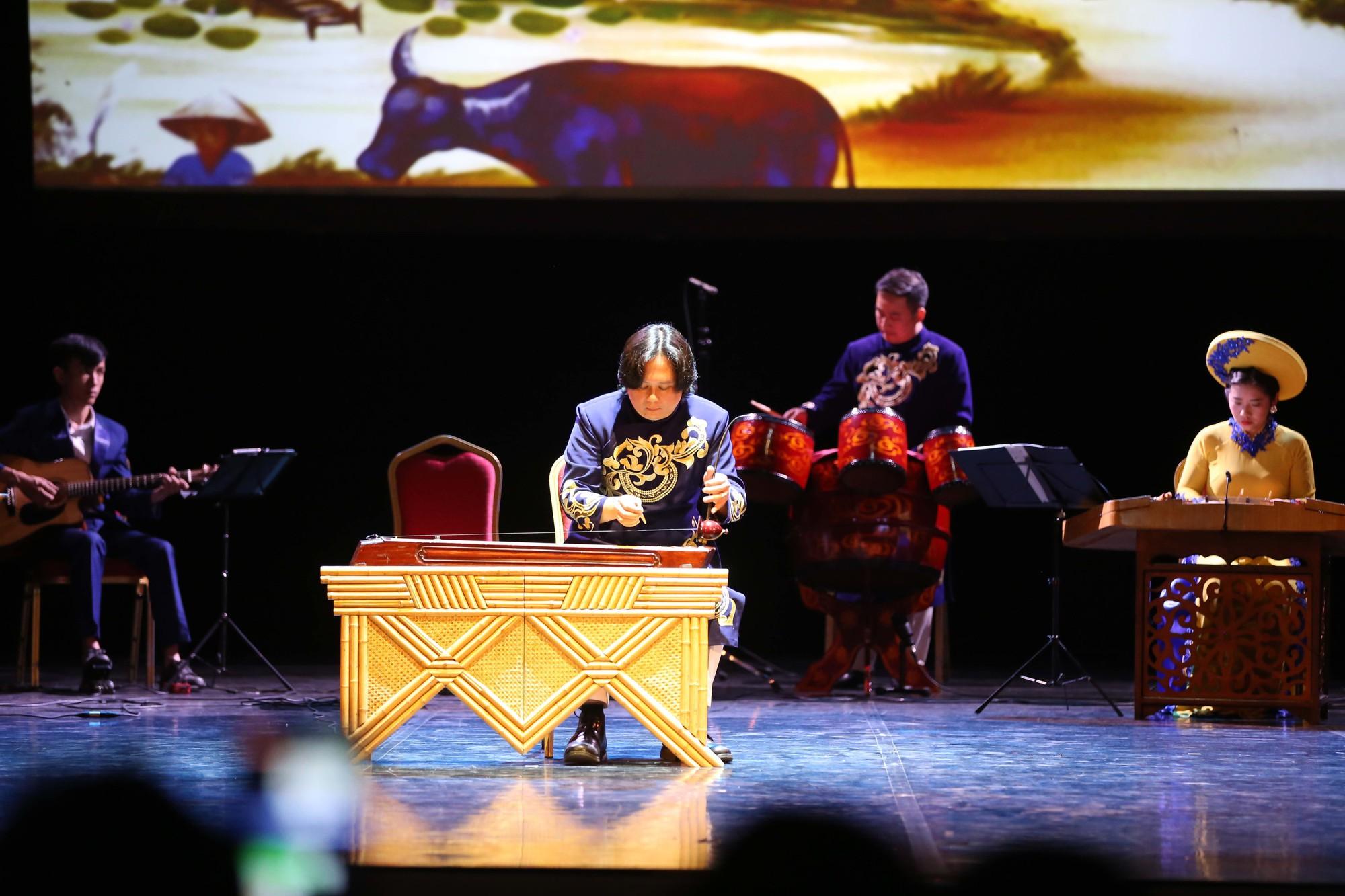 Nghệ thuật Việt Nam tiếp tục toả sáng tại Cố đô St.Petersburg, Liên bang Nga - Ảnh 6.