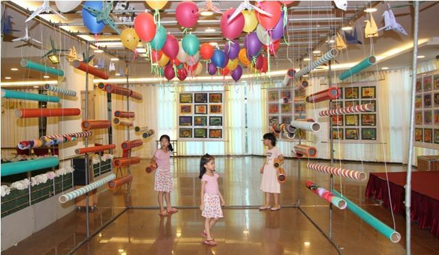 Nhiều hoạt động hấp dẫn cho trẻ em trong Ngày hội Thế giới tuổi thơ 2019 - Ảnh 2.