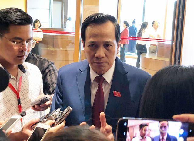 Bộ trưởng Đào Ngọc Dung: Tăng tuổi nghỉ hưu không có nghĩa là người già tranh chỗ làm của người lao động trẻ - Ảnh 1.