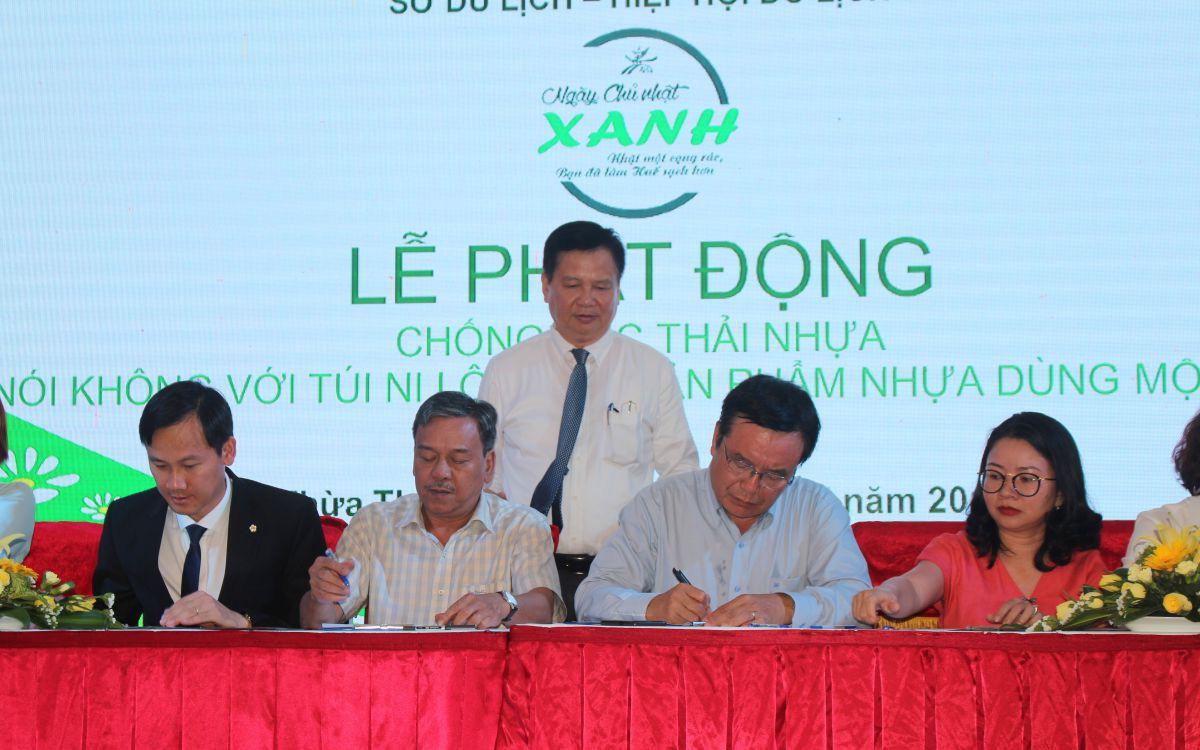 """Ngành du lịch Thừa Thiên Huế phát động phong trào """"Chống rác thải nhựa"""""""