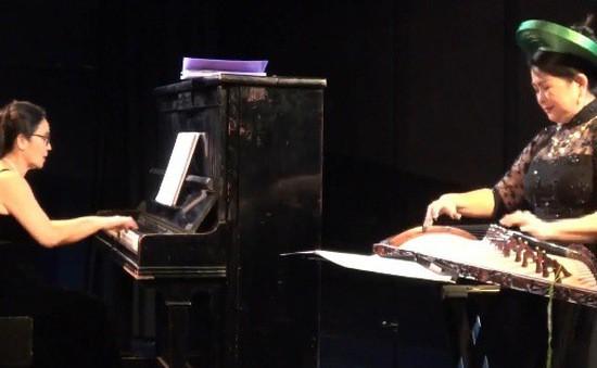 Hòa tấu nhạc cụ cổ truyền Việt Nam và đàn dương cầm tại Pháp - Ảnh 1.