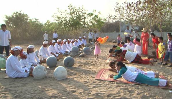 Lễ hội Ramưwan của người Chăm theo đạo Hồi giáo ở Ninh Thuận - Ảnh 1.