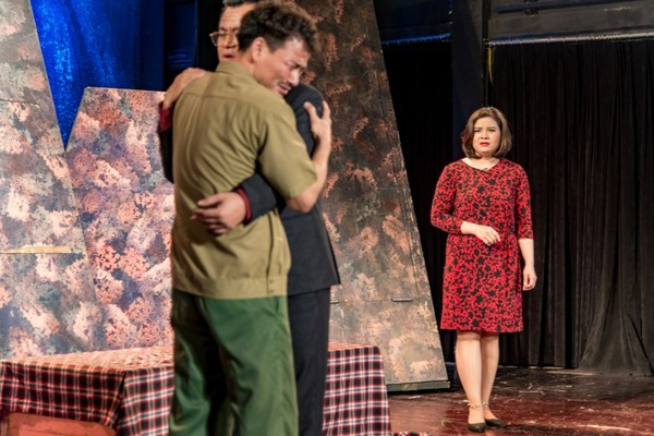 Xúc động đêm diễn gây quỹ từ thiện cho nữ diễn viên Nhà hát kịch Việt Nam tử nạn tại hầm Kim Liên - Ảnh 2.