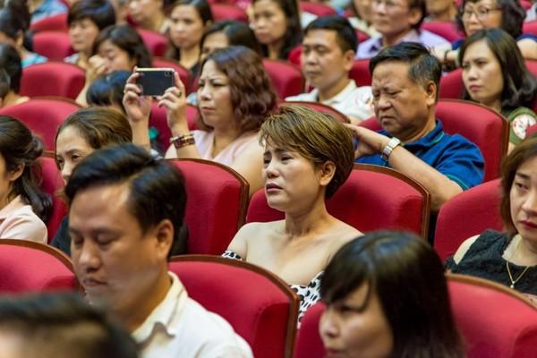 Xúc động đêm diễn gây quỹ từ thiện cho nữ diễn viên Nhà hát kịch Việt Nam tử nạn tại hầm Kim Liên - Ảnh 10.