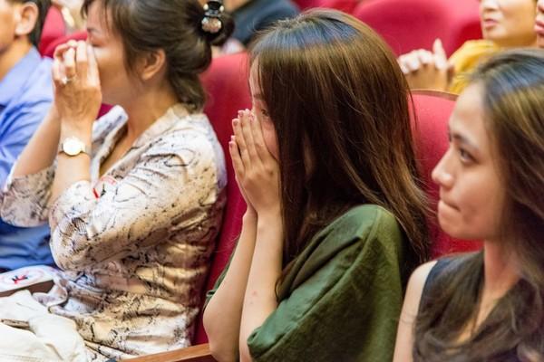 Xúc động đêm diễn gây quỹ từ thiện cho nữ diễn viên Nhà hát kịch Việt Nam tử nạn tại hầm Kim Liên - Ảnh 12.