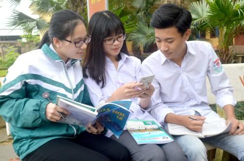 Bộ GDĐT nói gì về quy định gây tranh cãi khi cấm giáo viên, học sinh nói xấu giáo dục trên mạng - Ảnh 2.