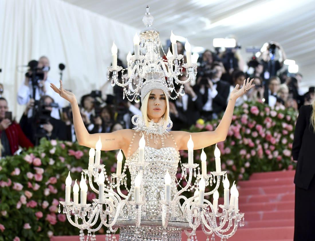 Met Gala 2019 - Dạ tiệc thời trang Mỹ khiến công chúng choáng ngợp thật sự - Ảnh 3.