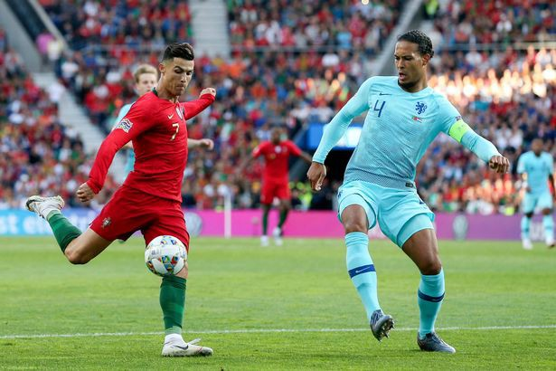 Ngôi sao Ronaldo nói gì trước cuộc đua tìm chủ nhân cho Quả bóng Vàng năm nay? - Ảnh 1.
