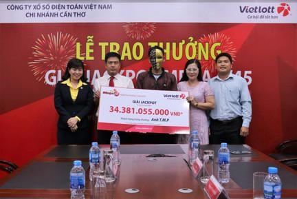 Một khách hàng Vietlott trúng 34 tỷ đồng nhờ máy chọn số ngẫu nhiên trùng ngày sinh - Ảnh 2.