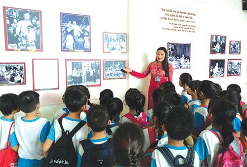 Hơn 64.300 lượt khách đến Bảo tàng Hồ Chí Minh - Ảnh 1.