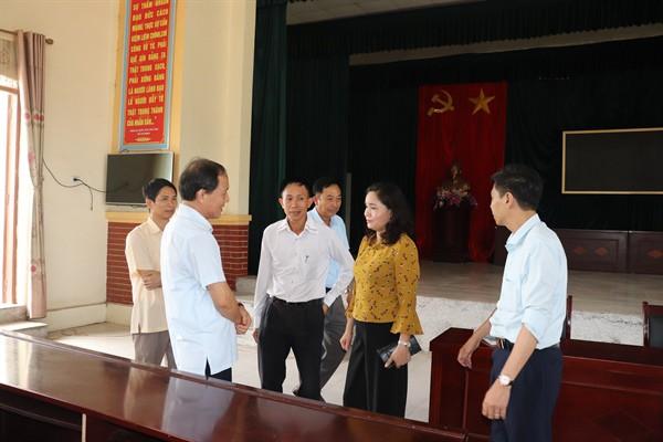 Thứ trưởng Trịnh Thị Thủy kiểm tra việc thực hiện Phong trào toàn dân đoàn kết xây dựng đời sống văn hóa - Ảnh 3.