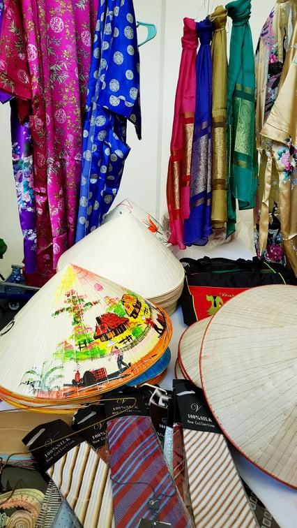 Ấn tượng Việt Nam tại Hội chợ quốc tế các nền văn hóa bạn bè - Ảnh 6.