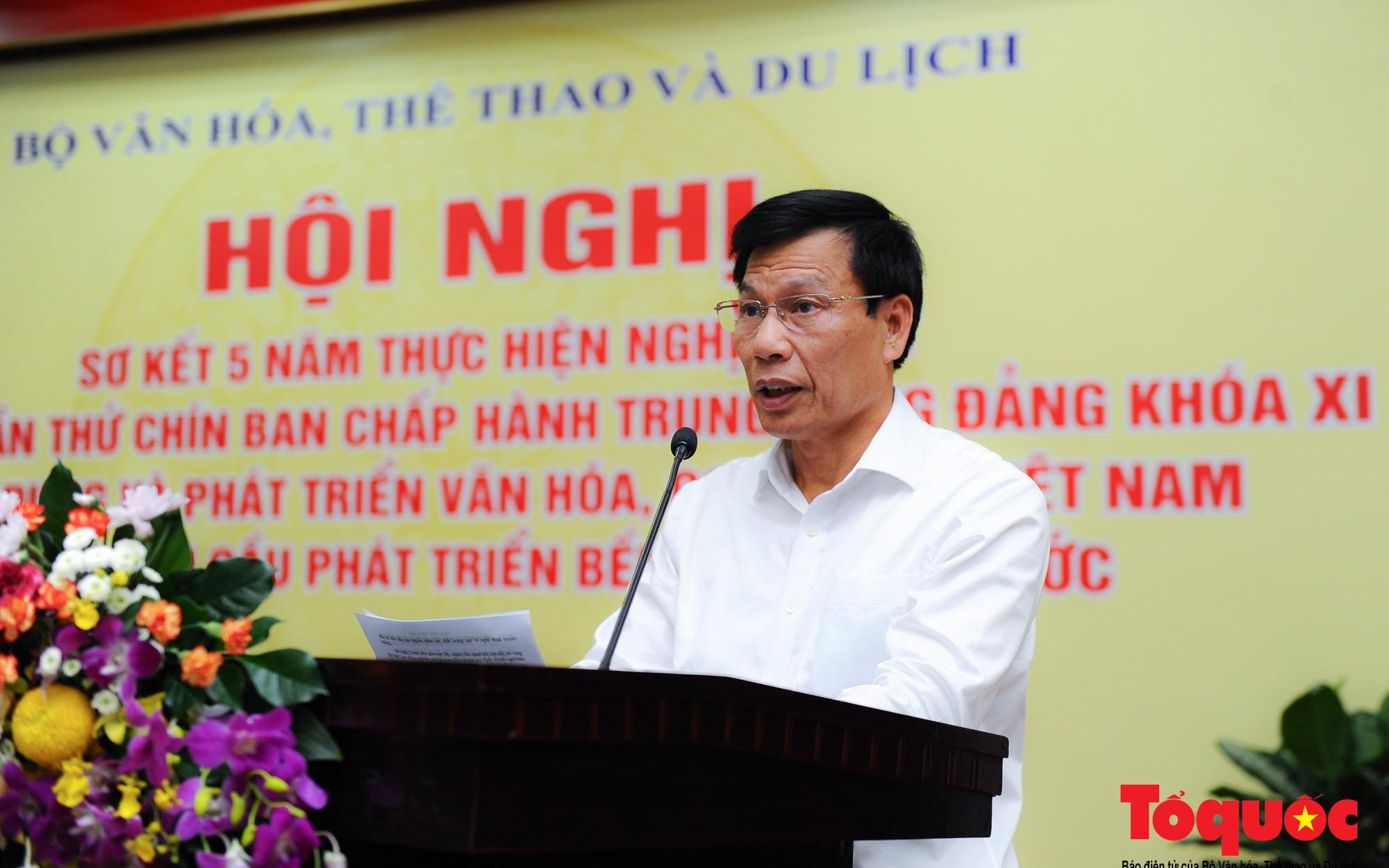 Hội nghị sơ kết thực hiện Nghị quyết số 33 về xây dựng và phát triển văn hoá, con người Việt Nam
