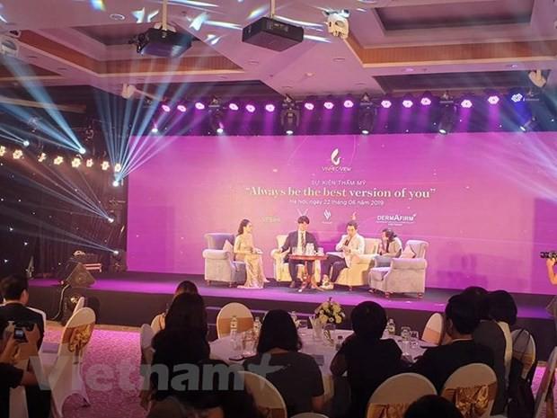 Chuyên gia làm đẹp nổi tiếng Hàn Quốc tư vấn thẩm mỹ cho phụ nữ Việt - Ảnh 2.