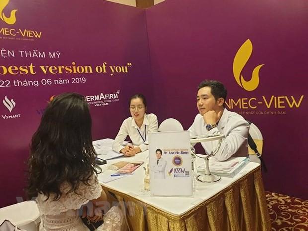 Chuyên gia làm đẹp nổi tiếng Hàn Quốc tư vấn thẩm mỹ cho phụ nữ Việt - Ảnh 3.