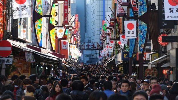 """Nhật Bản """"đau đầu"""" vì... du lịch phát triển mạnh - Ảnh 2."""