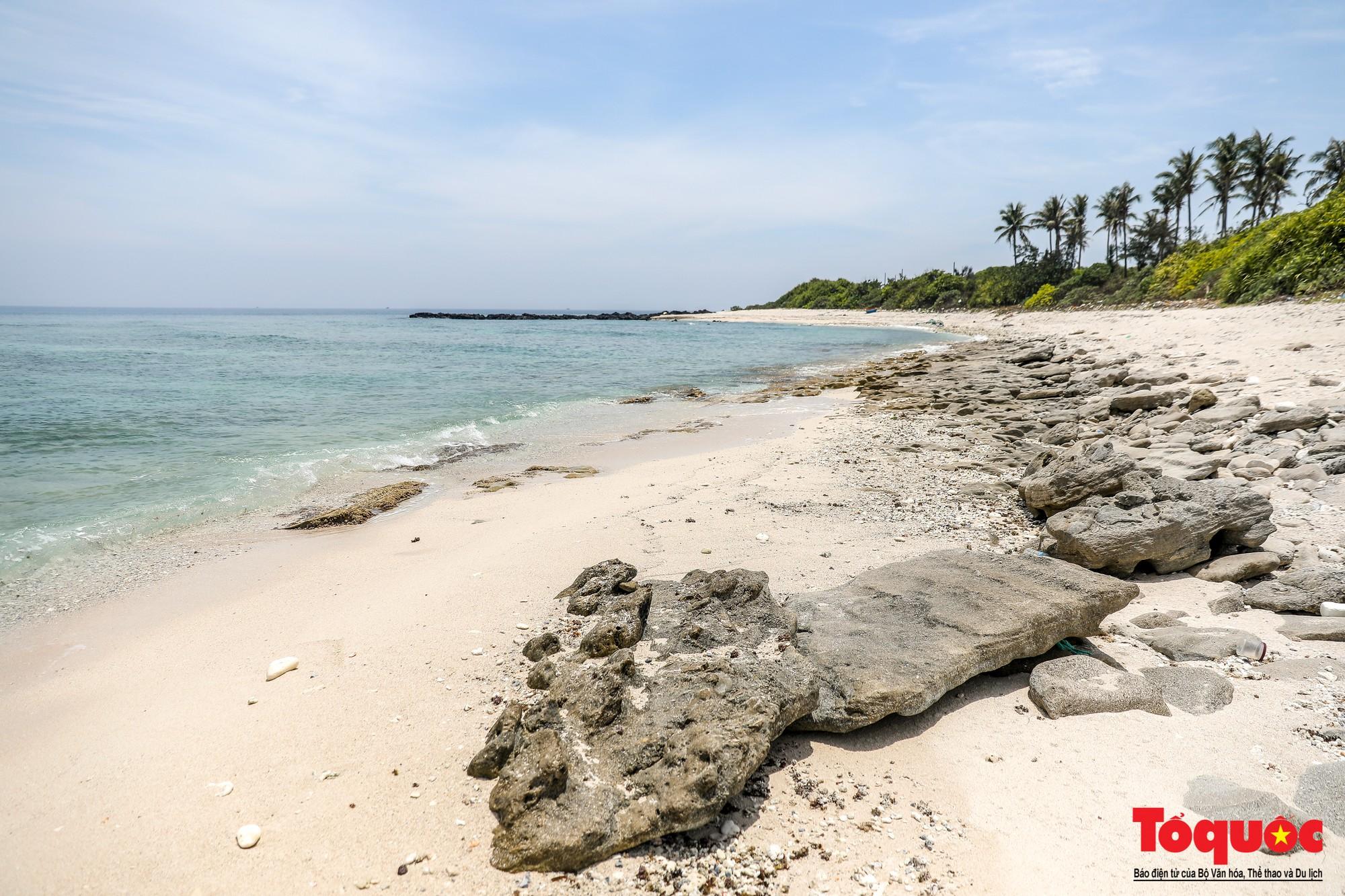Ngỡ ngàng trước vẻ đẹp hoang sơ như thiên đường nhỏ của Đảo Bé, Lý Sơn - Ảnh 3.