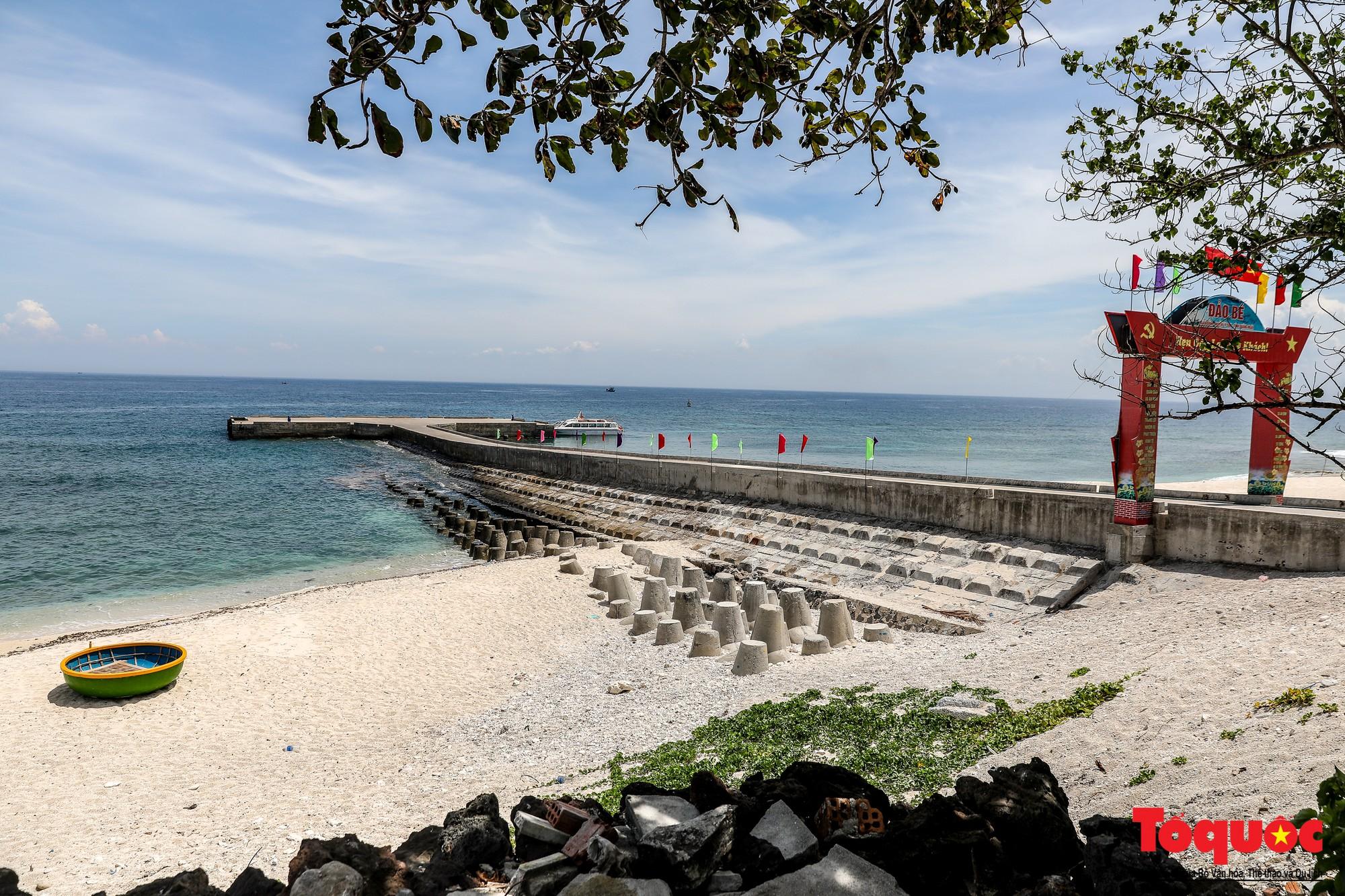 Ngỡ ngàng trước vẻ đẹp hoang sơ như thiên đường nhỏ của Đảo Bé, Lý Sơn - Ảnh 1.