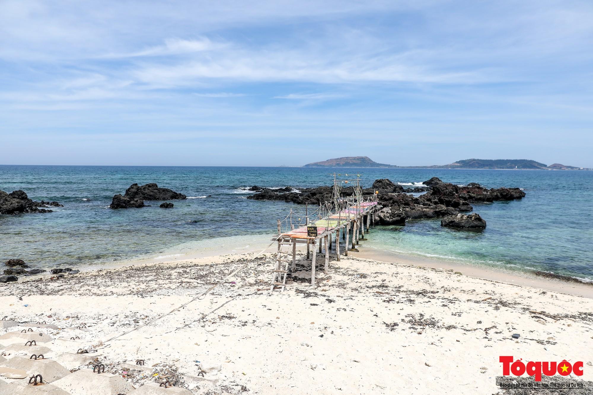 Ngỡ ngàng trước vẻ đẹp hoang sơ như thiên đường nhỏ của Đảo Bé, Lý Sơn - Ảnh 11.