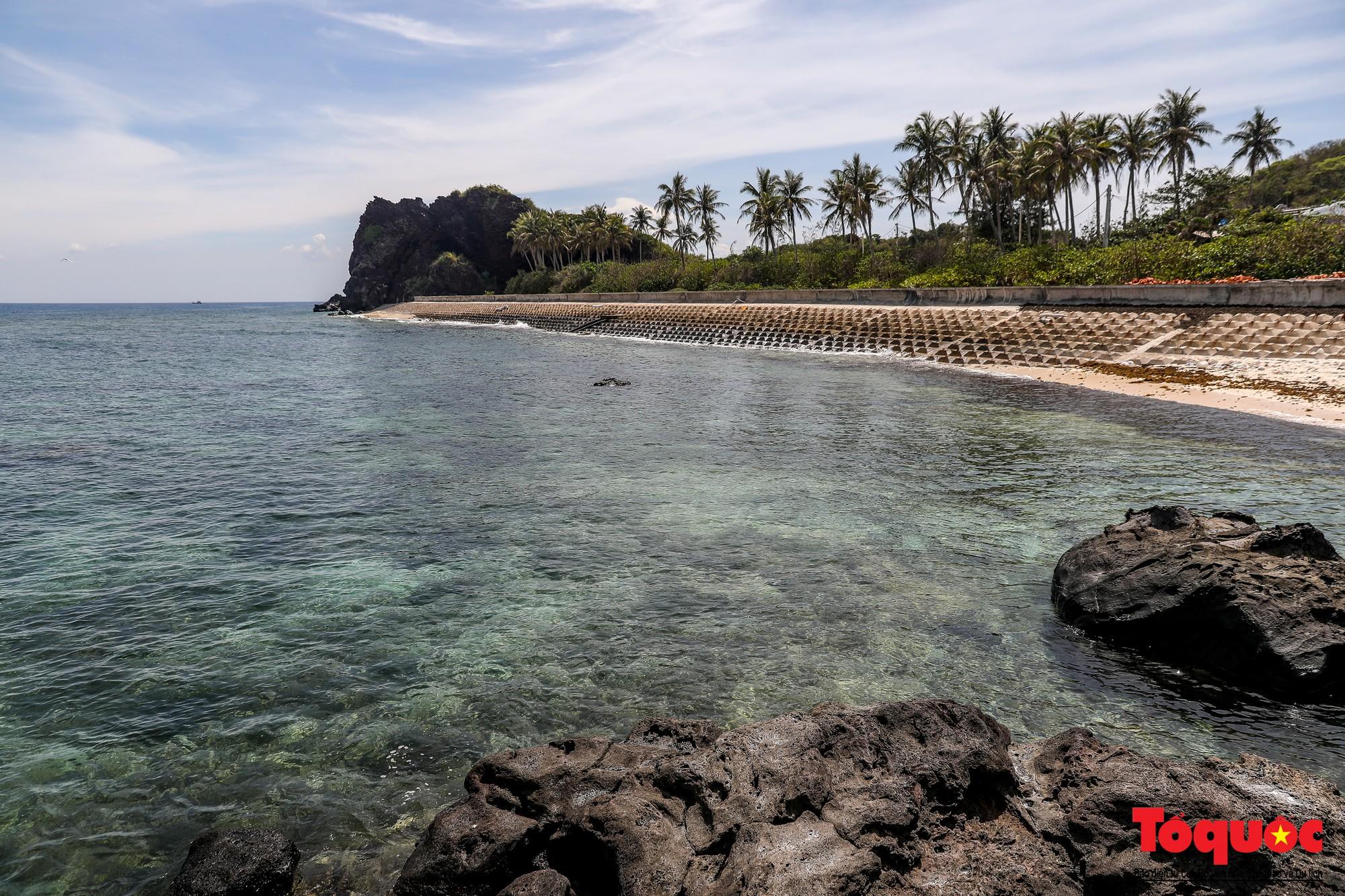 Ngỡ ngàng trước vẻ đẹp hoang sơ như thiên đường nhỏ của Đảo Bé, Lý Sơn - Ảnh 8.