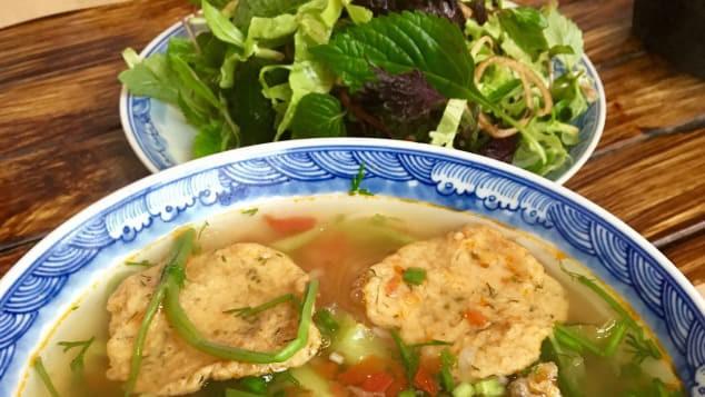 CNN ấn tượng 5 món ăn khách tới Hà Nội cần thử - Ảnh 2.