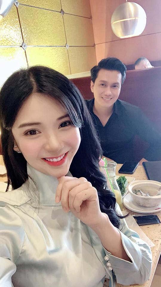 Giữa tin đồn ly hôn, Việt Anh lại bị bắt gặp đi chơi với tình cũ? - Ảnh 1.