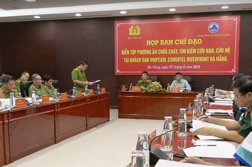 Đà Nẵng: Tổ chức diễn tập phương án PCCC và CNCH quy mô lớn tại Tổ hợp Khách sạn Vinpearl Condotel Riverfront. - Ảnh 1.