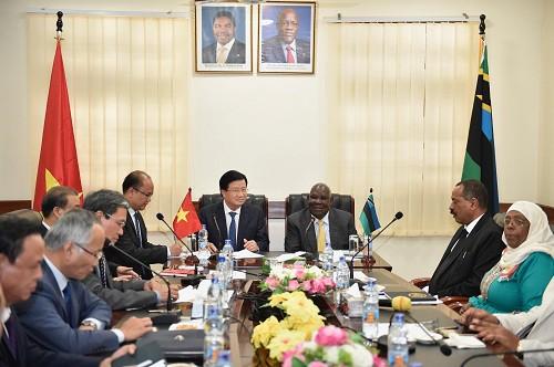 Tăng cường quan hệ chính trị, khuyến khích hợp tác doanh nghiệp Việt Nam-Tanzania - Ảnh 1.
