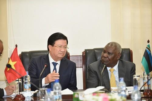Tăng cường quan hệ chính trị, khuyến khích hợp tác doanh nghiệp Việt Nam-Tanzania - Ảnh 2.