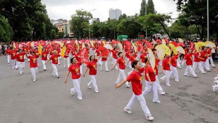 """Lễ Hội đường phố mừng """"20 năm Hà Nội – Thành phố vì hòa bình"""" thu hút 10.000 người tham dự - Ảnh 3."""