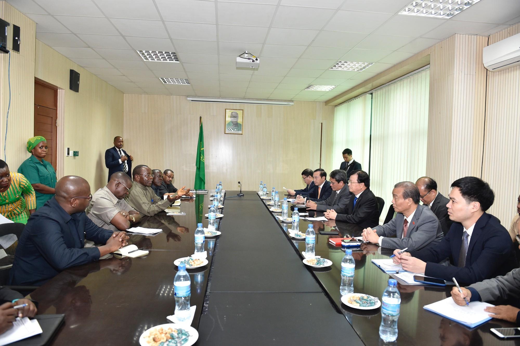 Tăng cường quan hệ chính trị, khuyến khích hợp tác doanh nghiệp Việt Nam-Tanzania - Ảnh 4.