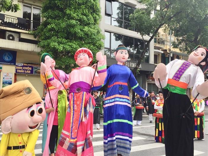 """Lễ Hội đường phố mừng """"20 năm Hà Nội – Thành phố vì hòa bình"""" thu hút 10.000 người tham dự - Ảnh 5."""