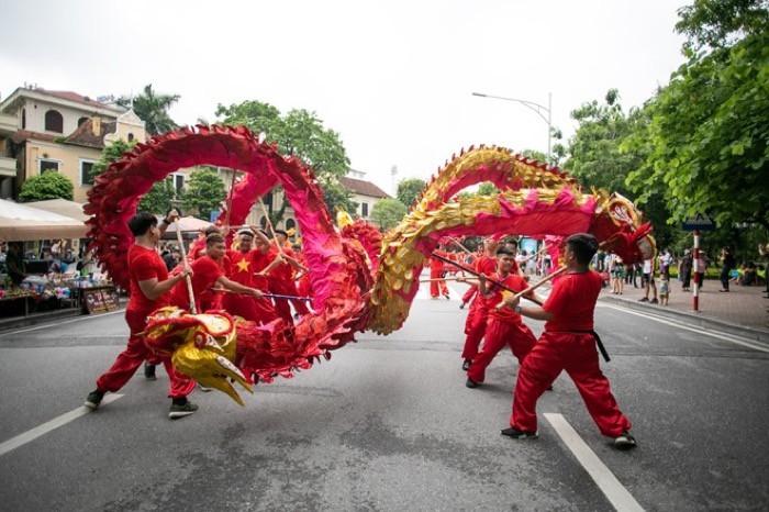 """Lễ Hội đường phố mừng """"20 năm Hà Nội – Thành phố vì hòa bình"""" thu hút 10.000 người tham dự - Ảnh 6."""