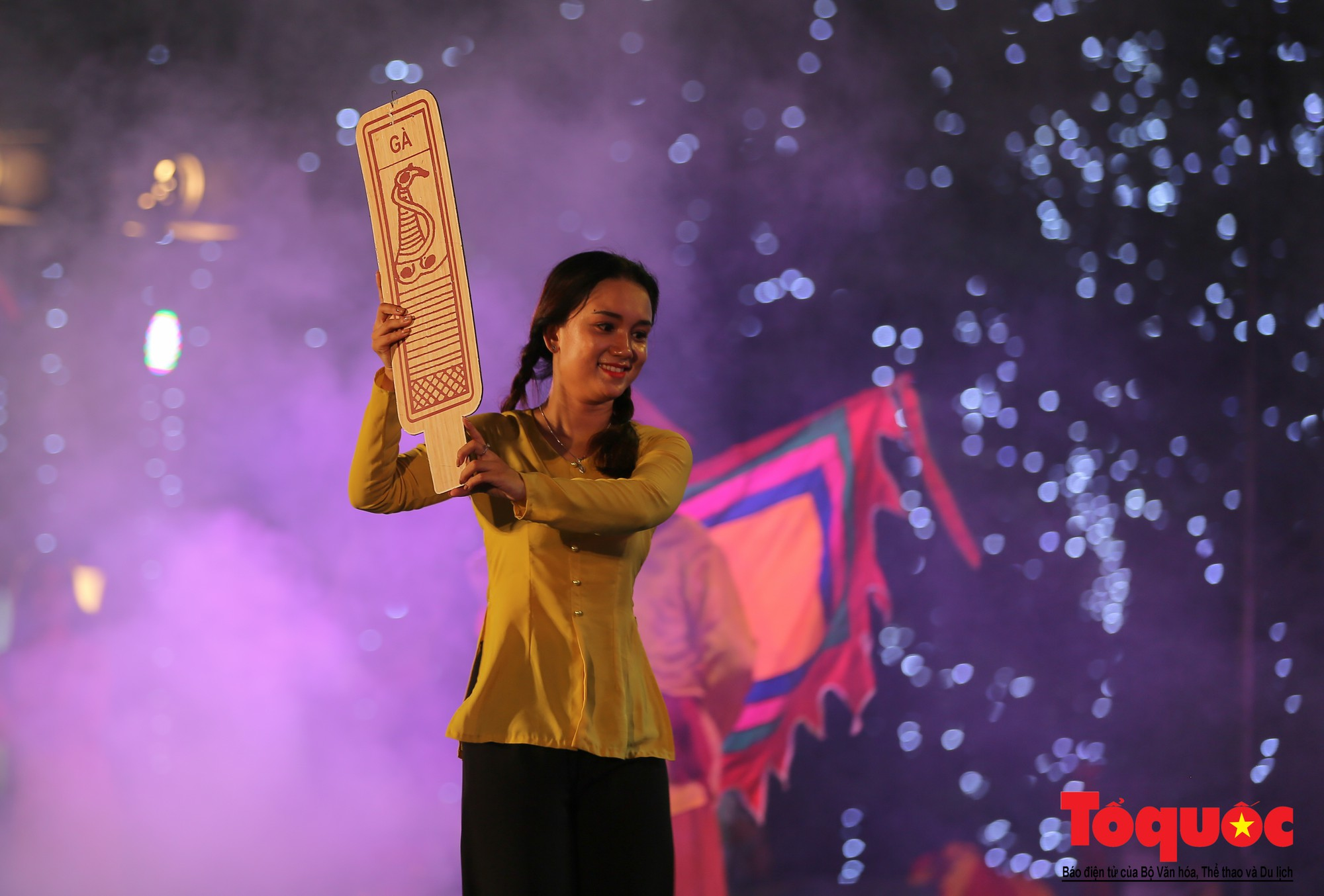 """Ấn tượng chương trình nghệ thuật kỷ niệm 20 năm Hà Nội - """"Thành phố Vì hòa bình"""" (18)"""