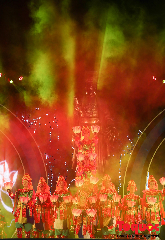 """Ấn tượng chương trình nghệ thuật kỷ niệm 20 năm Hà Nội - """"Thành phố Vì hòa bình"""" (6)"""