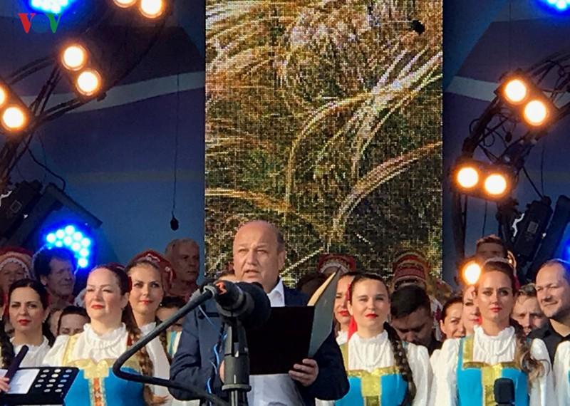 """Festival """"Cánh đồng Nga"""" - Nơi hội tụ nghệ thuật Slavơ - Ảnh 1."""