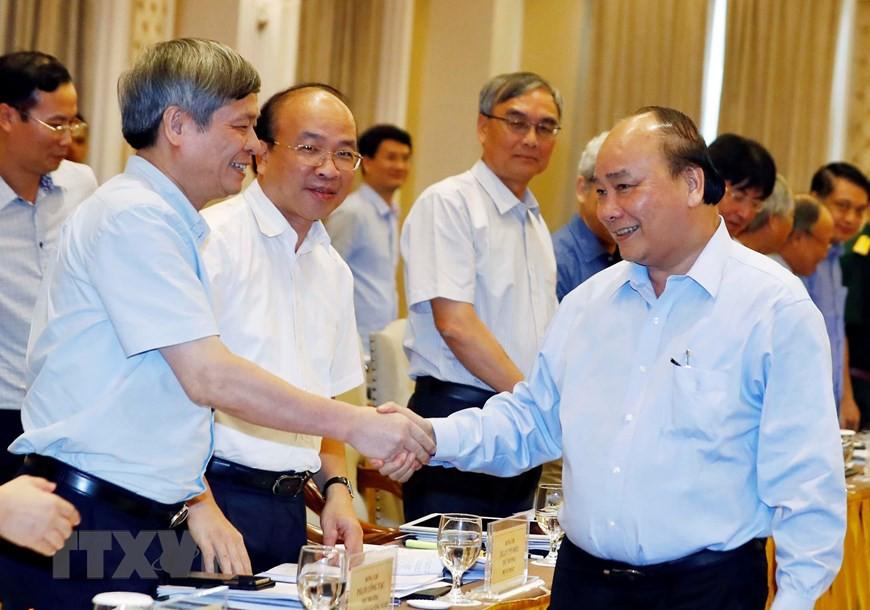 Thủ tướng chủ trì họp lần thứ ba Tổ biên tập Tiểu ban KT-XH  - Ảnh 1.