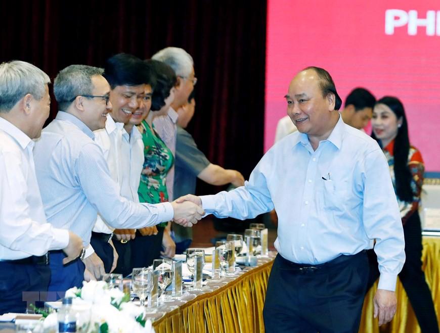 Thủ tướng chủ trì họp lần thứ ba Tổ biên tập Tiểu ban KT-XH  - Ảnh 2.