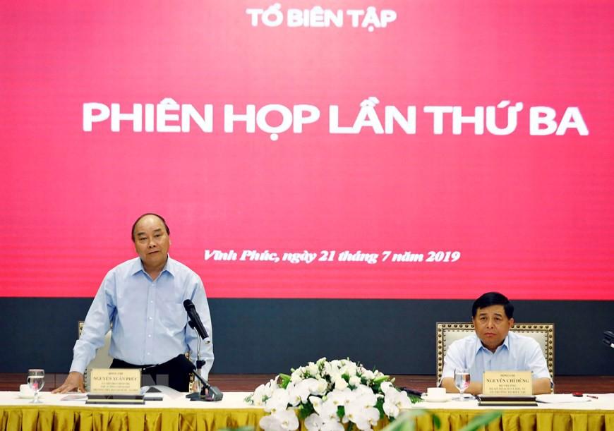 Thủ tướng chủ trì họp lần thứ ba Tổ biên tập Tiểu ban KT-XH  - Ảnh 5.